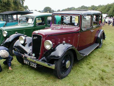 Austin 6 saloon in red